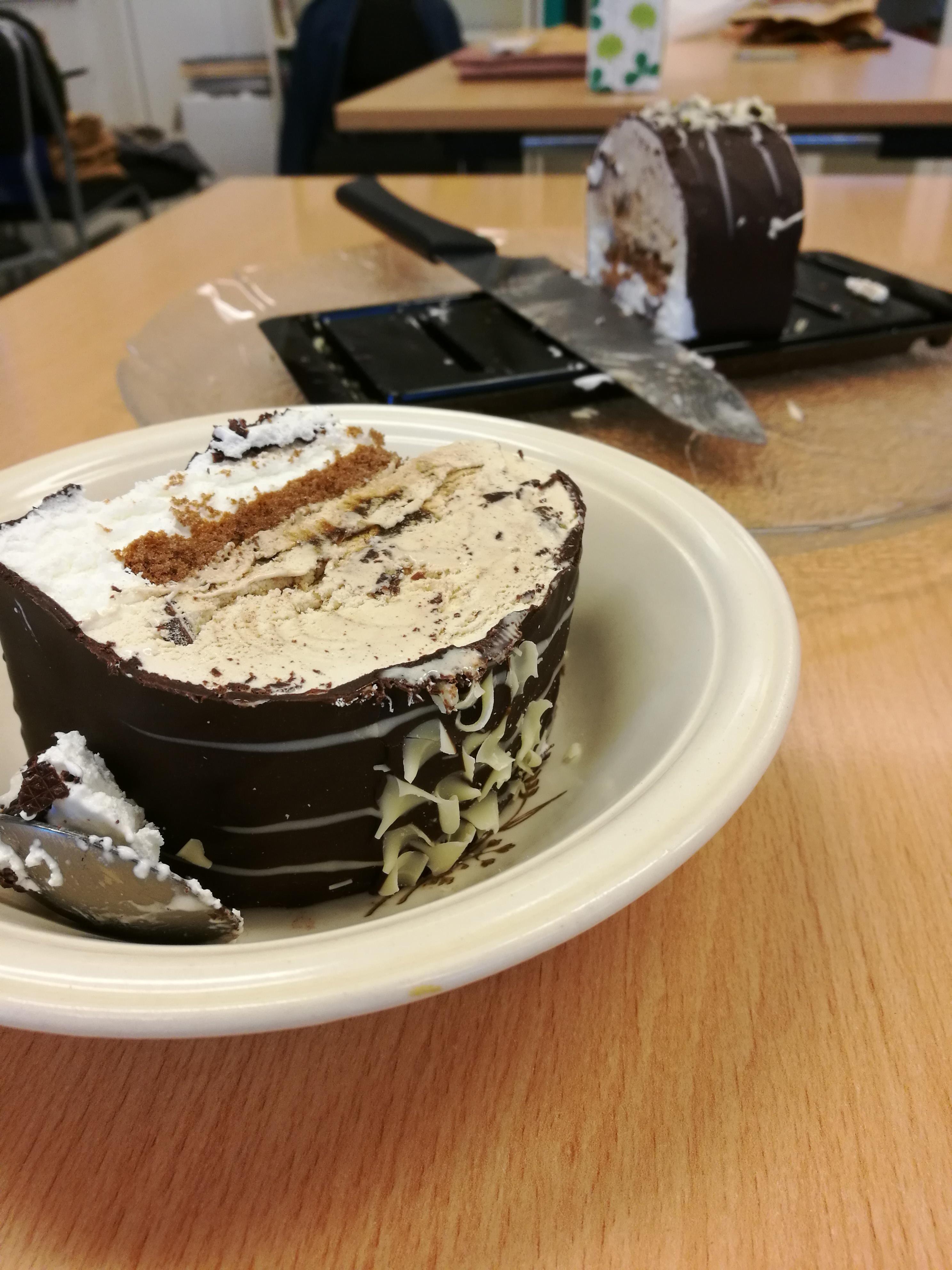 Glasstårta efter årsmötet.
